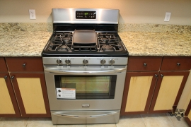 lone-star-luxury-homes-gas-oven-stove-top