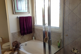 avery-ranch-townhomes-the-greens-luxury-condos-for-sale-bathroom