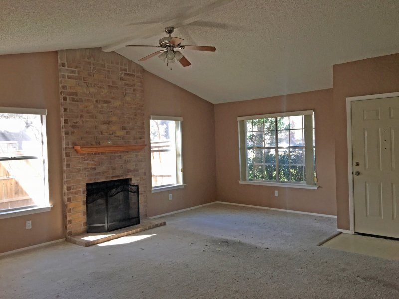 1710-yucca-living-room
