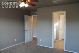 206-sylvan-st-hutto-texas-78634-24