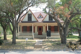 historic-home-for-sale-dewitt-county-cuero-tx