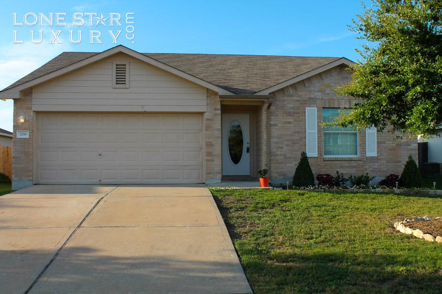206 Sylvan St Hutto, Texas 78634-2