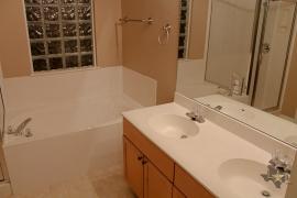 lone-star-luxury-homes-bathroom-two