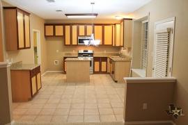 lone-star-luxury-homes-kitchen-view