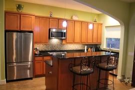 lone-star-luxury-homes-78704-kitchen-bar