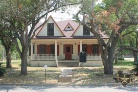 historic-home-for-sale-dewitt-county-cuero-tx